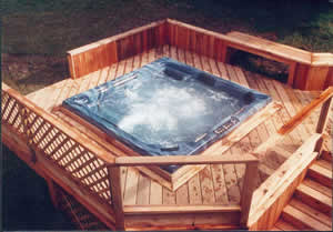 Installing a hot tub or spa on a raised deck for Construir jacuzzi exterior